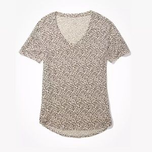 AMERICAN EAGLE ||Oversized Soft & Sexy Leopard Tee